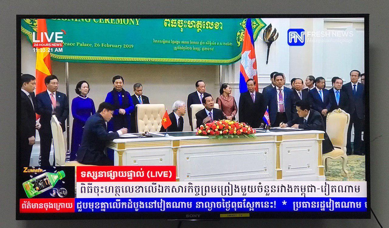 Cambodia and Viet Nam Sign Five Documents